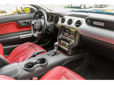 Ford Mustang 5.0 V8 GT Premium Auto.